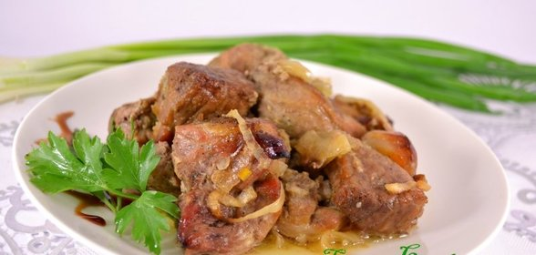 Рецепт свинины под соусом в духовке