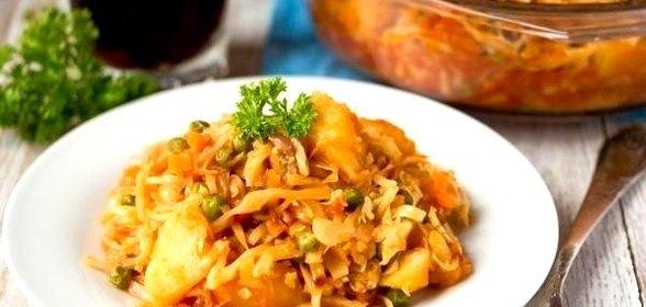 тушеная картошка с кабачками и капустой в мультиварке